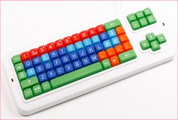 Clevy Contrast Norwegian Computer Keyboard with Uppercase/Lowercase White Lettering